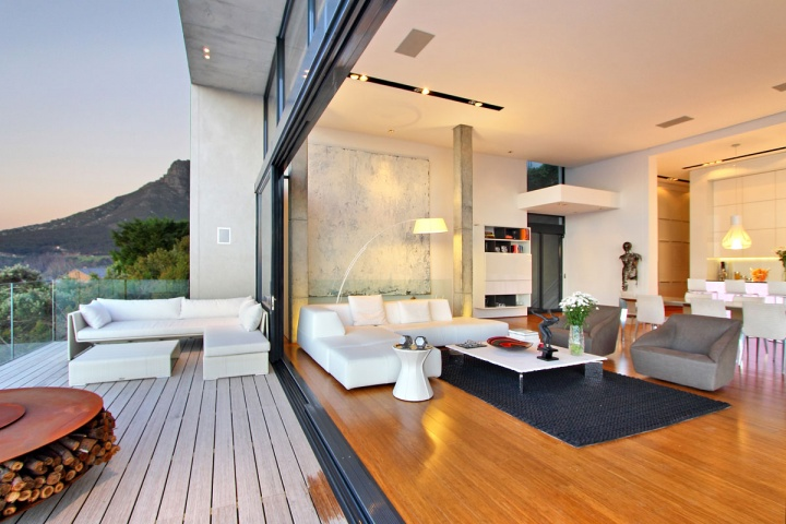 indoor-outdoor-living-space-combination