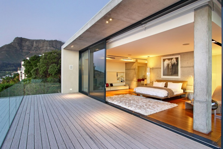 master-suite-private-deck