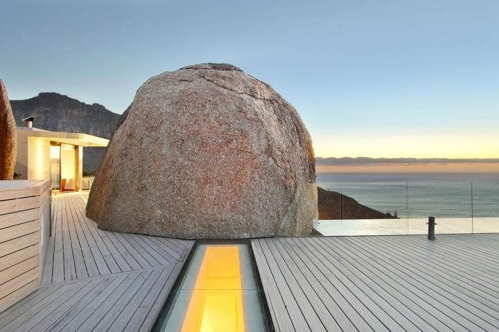 ocean-deck-pathway-boulder