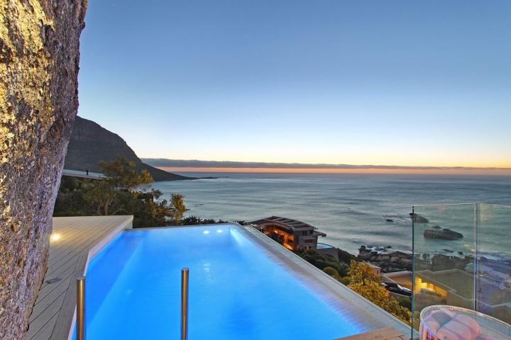 ocean-side-pool