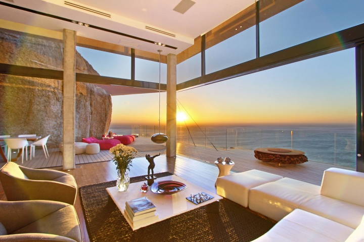 sunrise-views-open-concept-living-room