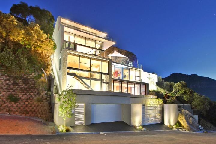 x-house-external-view-lighting